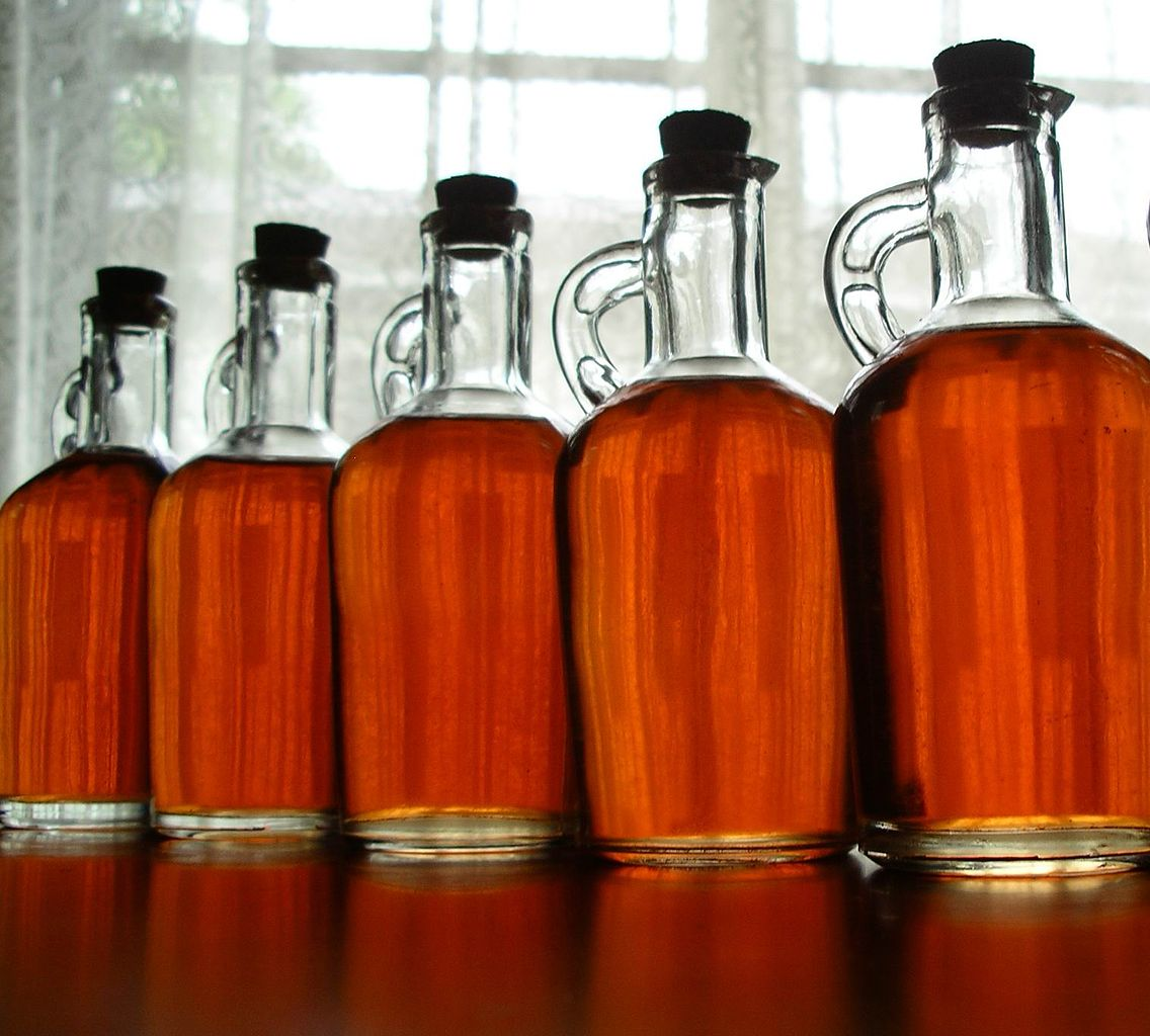 1136px-Homemade_strawberry_liqueur